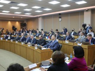 Фото: www.zspk.gov.ru   Коммунисты высказались против урезания зарплат помощникам депутатов