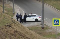 Во Владивостоке полицейская машина попала в аварию