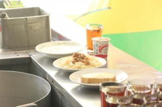 Фото: PRIMPRESS | В Роспотребнадзоре рассказали, как правильно накормить школьника