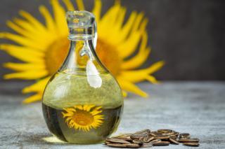 Фото: freepik.com | Цены на подсолнечное масло сохранятся для розничных сетей