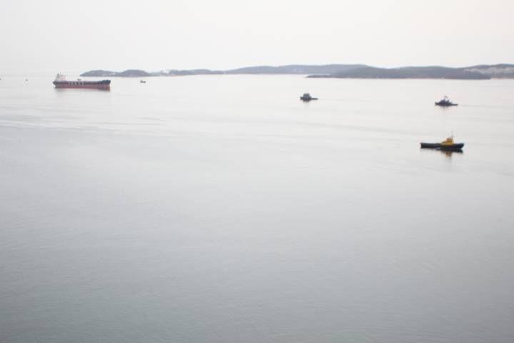 ВЯпонском море таможенники ФСБРФ расстреляли судно КНДР