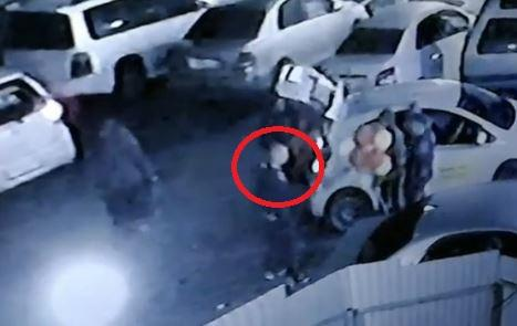 Владивостокский водитель, попавший на камеру, срочно разыскивается