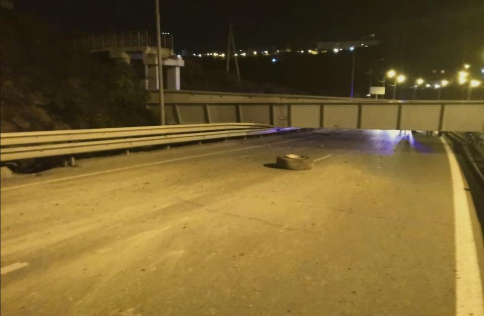 Во Владивостоке обрушившийся виадук полностью парализовал движение