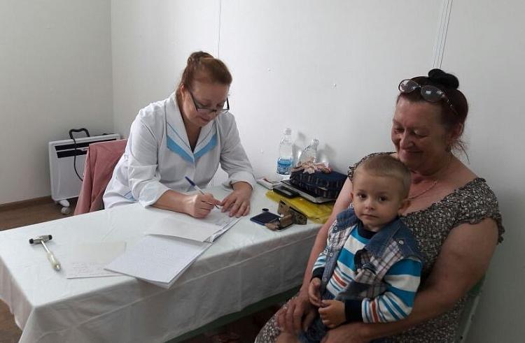 Выездная бригада врачей отправилась в Ольгинский район