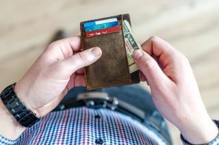 Фото: pixabay.com   Денежная выплата пенсионерам, имеющим банковскую карту: заявление ПФР