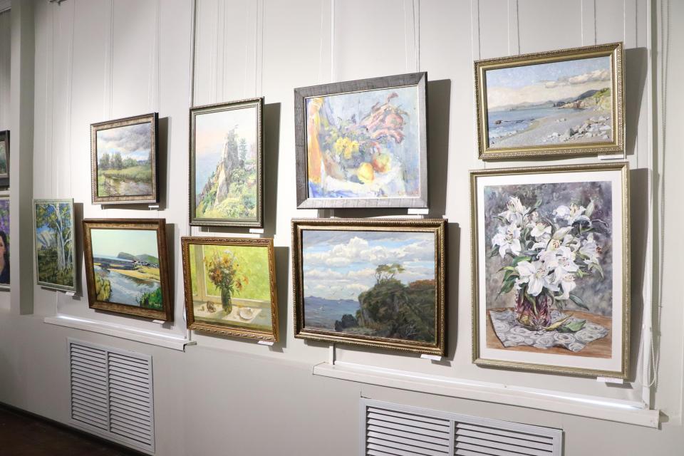 Осенняя выставка художников Приморья открылась во Владивостоке
