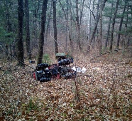 В Приморье перевернулся трактор: водитель погиб
