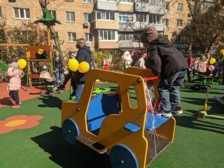 Фото: PRIMPRESS | Во Владивостоке продолжают преображаться придомовые территории