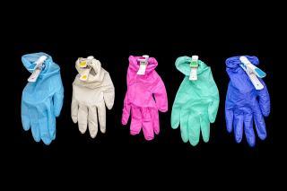 Использование перчаток назвали неэффективной мерой в борьбе с COVID–19