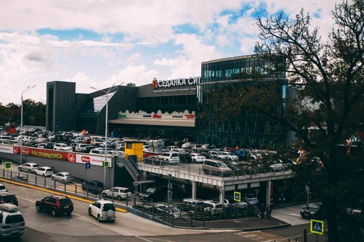 Постоянный клиент «Седанка Сити» на Lexus возмутил приморцев