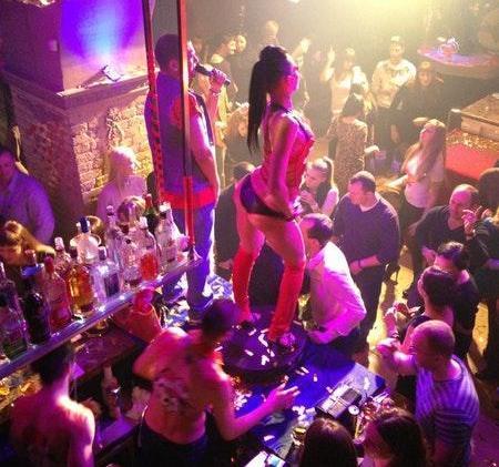 Владивосток его ночные клубы скачать секс в ночном клубе в туалете