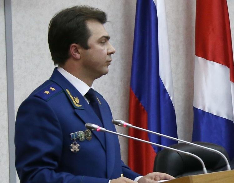Обвинитель Приморья предложил депутатам жить наобеспечение сирот