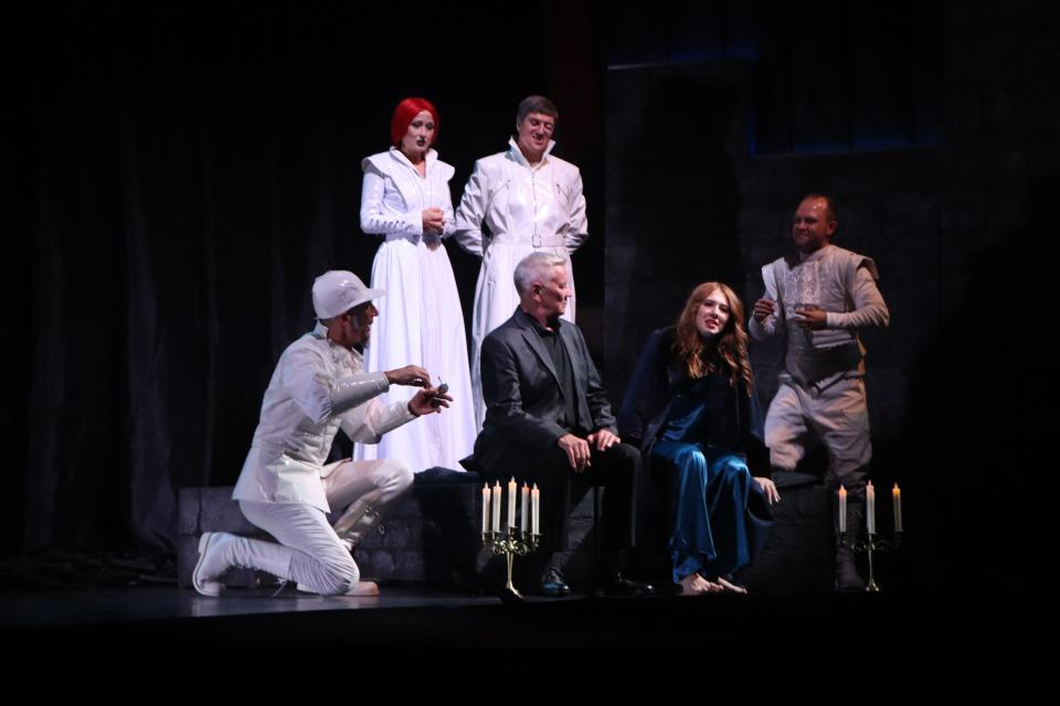 Театр им. М. Горького представил репертуар на ноябрь 2020 года