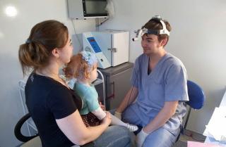 Фото: primorsky.ru   Врачи автопоезда «Здоровье» планируют осмотреть более тысячи детей в муниципалитете Приморья