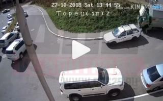 Фото: кадр из видео   «Это может с каждым случиться»: видео автоинцидента обсуждают в Сети