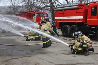 Фото: 25.mchs.gov.ru | Во Владивостоке на трассеПатрокл –Седанка – Де-Фриз горел самосвал