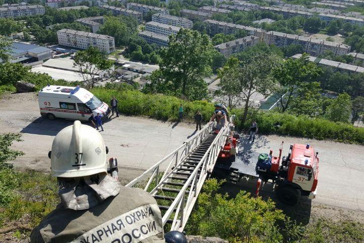 Серьезный пожар произошел натерритории Приморского судоремонтного завода