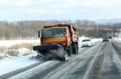 Фото: primorsky.ru   Более 400 единиц техники работает на расчистке дорог в Приморье