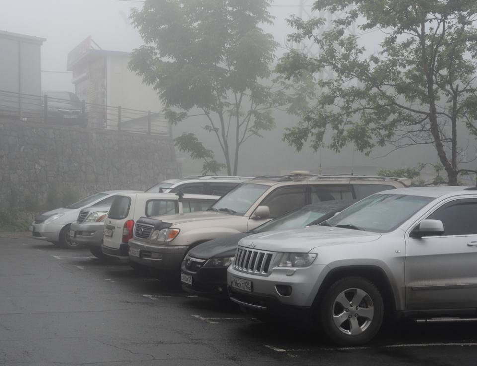 Приморец пожалел, что припарковал свой «Чайзер» возле гостиницы