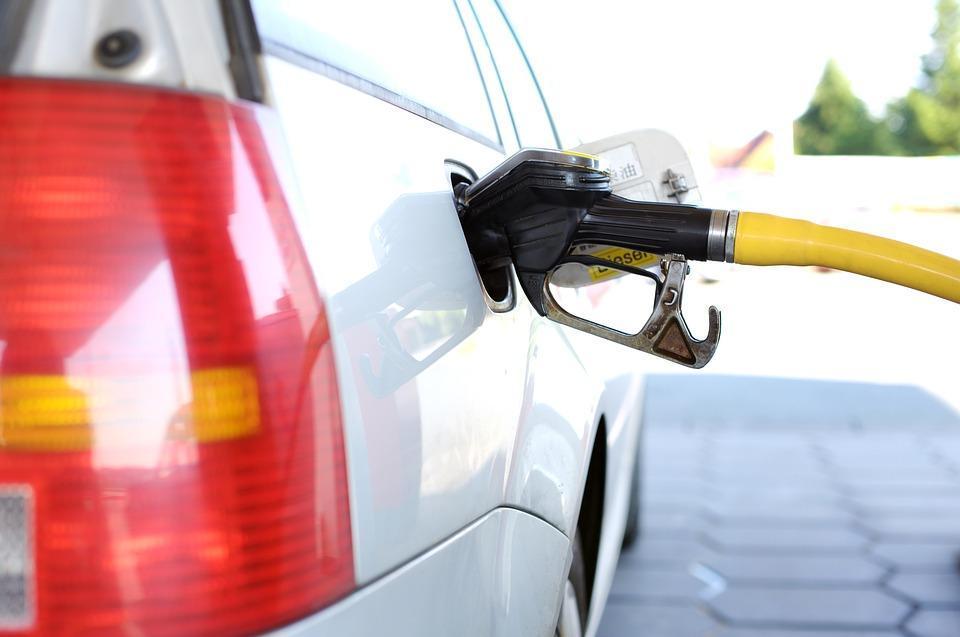 Топливные боссы хотят дорогой бензин
