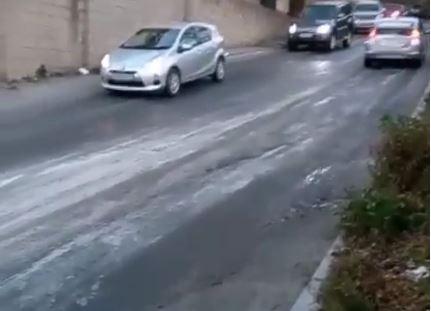 Автомобили не могут подняться в этом месте во Владивостоке