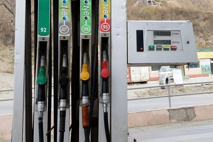 Кто виноват в повышении цен на бензин?