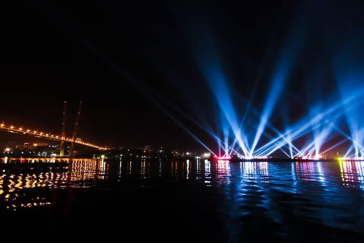 Бесплатный Владивосток: Приморская неделя здоровья, вeauty-шоу и пленэр по фотосъемке ночного города