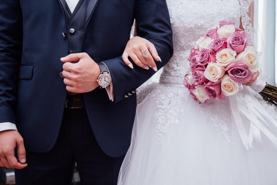 «Горячая свадьба»: жених и гости устроили стрельбу из автомата во Владивостоке