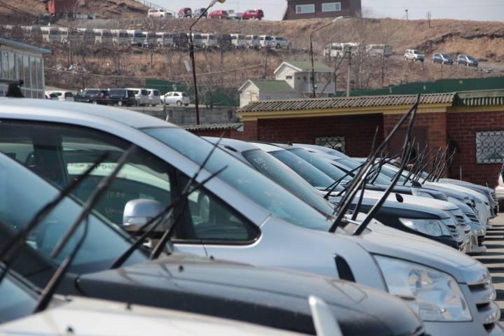 Поток подержанных автомобилей через таможни ДФО хлынул с новой силой