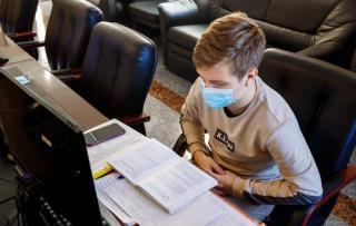 Фото: vlc.ru | Неотложные обращения горожан в колл-центр Владивостока по вопросам COVID-19 передаются в поликлиники