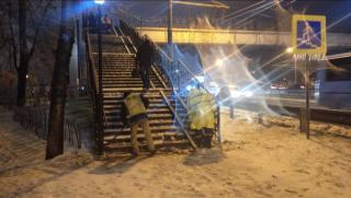 Фото: vlc.ru   Во Владивостоке устраняют последствия разгула стихии