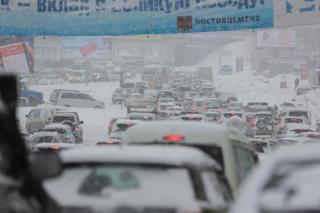 Фото: PRIMPRESS | Пробки вновь сковали столицу Приморья