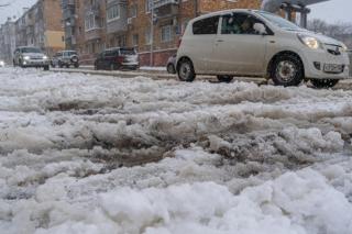 Фото: Татьяна Меель   Олег Кожемяко об уборке снега и льда: «Это безопасность граждан»