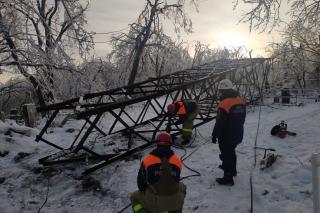 Фото: администрация Приморского края   «Там все серьезно». Сказали, когда восстановят ЛЭП на Морском кладбище
