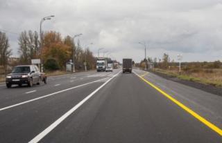 Фото: Car.ru   Желтая сплошная разметка с правой стороны дороги. Будет штраф за пересечение?