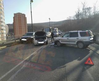 Фото: скриншот dps.control   Лобовое ДТП спровоцировало пробку во Владивостоке