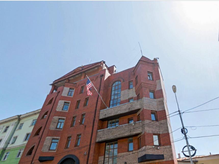 Зампосла США в РФ прокомментировал ситуацию свизами воВладивостоке