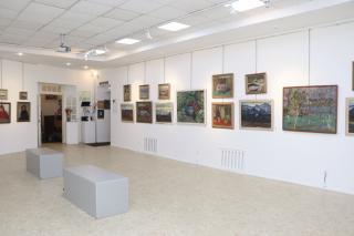 Фото: Екатерина Дымова / PRIMPRESS   «Цвет, освещенный солнцем» можно увидеть в галерее «Арка»