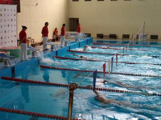 Фото: PRIMPRESS | Случай в мужской раздевалке бассейна в Приморье вызвал оторопь