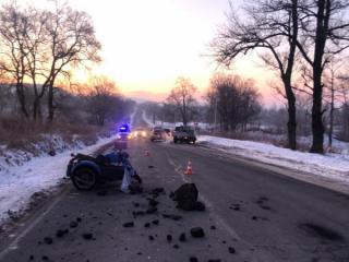Фото: 25.мвд.рф   В Приморье неудачный маневр водителя грузовика привел к гибели мотоциклиста