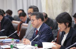 Министра из Японии удивила скорость доставки автомобилей из Владивостока в Москву