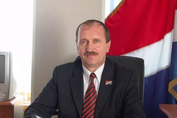 Губернатор Приморья сократил директора краевого департамента земельных иимущественных отношений