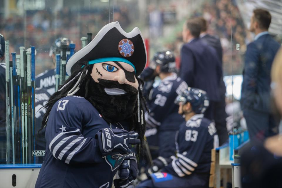 «Адмирал» без ведущих игроков проиграл нижегородскому «Торпедо» во Владивостоке