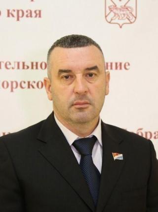 Фото: zspk.gov.ru | Вячеслав Дрожжин: «С Новым годом, дорогие приморцы!»