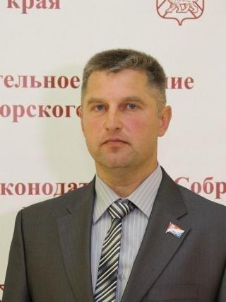 Фото: zspk.gov.ru | Александр Петухов: «Желаю всем счастья и добра в наступающем году»