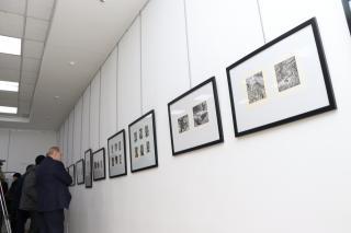 Фото: Екатерина Дымова / PRIMPRESS   Владивосток «В плену воображений»: открылась выставка виртуоза графики