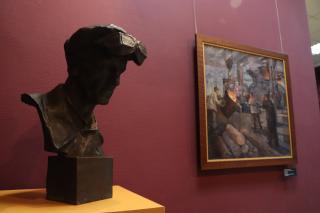 Фото: Екатерина Дымова / PRIMPRESS | «Соцреализм. Большая стройка»: уникальная выставка открылась во Владивостоке