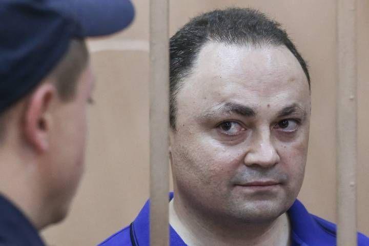 Мосгорсуд оставил главы города Владивостока под арестом