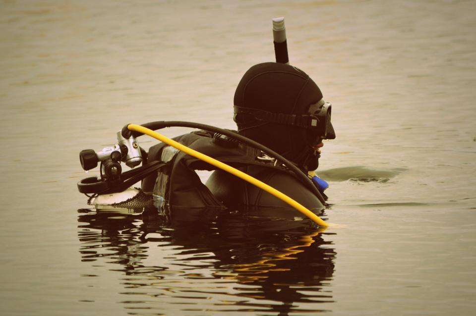 Приморские cотрудники экстренных служб ищут пропавшего аквалангиста