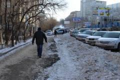 Тротуары Владивостока остаются неочищенными после очередного снегопада